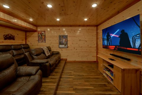 6 Bedroom 86 Inch TV Theater Room - Bear Paddle Lodge