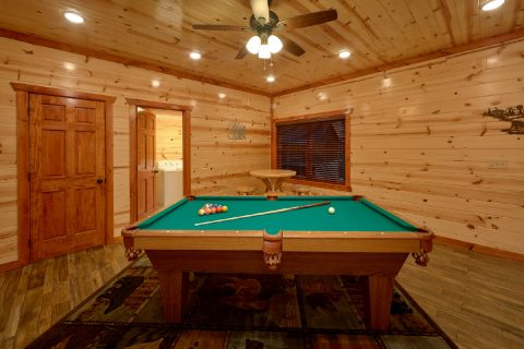 6 Bedroom with Indoor Pool Sleeps 20 - Bear Paddle Lodge