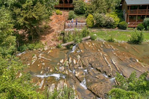 Resort with Waterfalls and Creeks - Bear Paddle Lodge