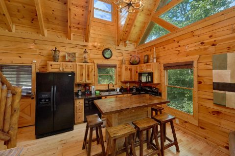 3 Bedroom Cabin in Settlers Ridge Resort - Bear Pause Cabin