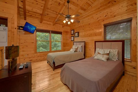 3 Bedroom Cabin with 2 Twin Beds in the Loft - Bear Pause Cabin