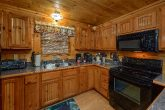 Premium Gatlinburg cabin with full kitchen