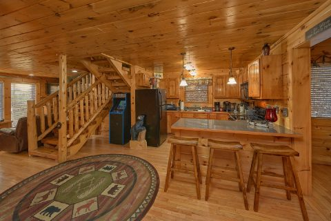2 bedroom Gatlinburg cabin with arcade game - Bear Paw Bridge