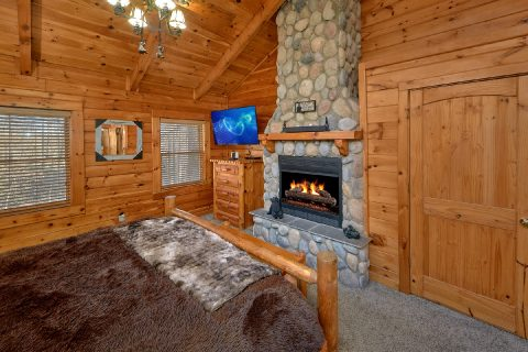2 bedroom cabin with Master Suite and Fireplace - Bear Paw Bridge