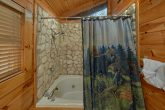 2 bedroom cabin with Master bath and 2 Jacuzzis