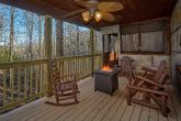2 bedrom cabin with Fire Pit and Rocking Chairs