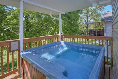 2 Bedroom Cabin in River Pointe with Hot Tub - Bear Paw Chalet