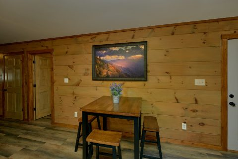 4 Bedroom Cabin with Dining Room and Bar - Bear Paws