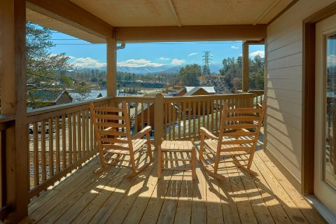 Spacious 4 Bedroom Cabin in Pigeon Forge - Bear Paws
