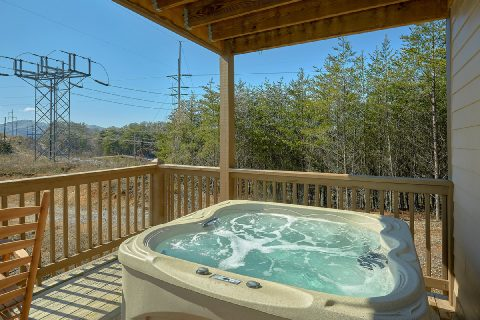 Pigeon Forge Cabin with Hot Tub and WiFi - Bear Paws