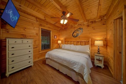 Pool Table in Game Room - Bear Shack