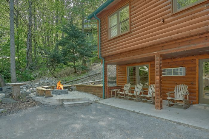 Bearadise Lodge Cabin Rental Photo