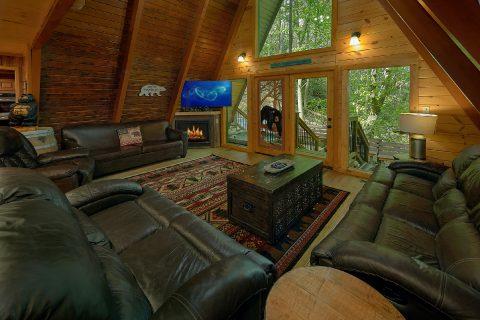 Bearadise Lodge 12 Cabin Bedroom - Bearadise Lodge