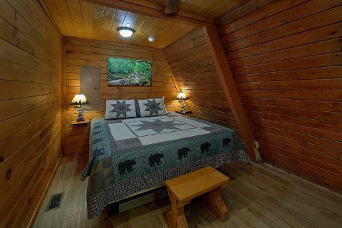 12 Bedroom 8.5 Bath Cabin Sleeps 47 Gatlinburg - Bearadise Lodge