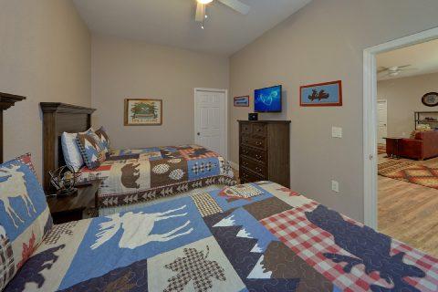 Lower Level Bedroom Off Game Room - Bearfoot Bungalow