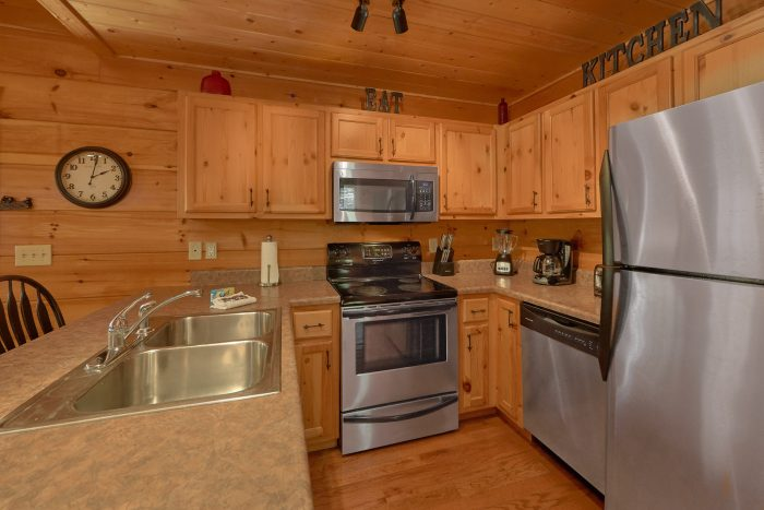 3 Bedroom Sleeps 9 with Stainless Appliance - Bearfoot Dreams