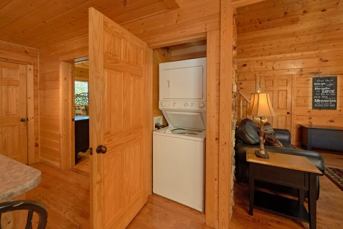 3 Bedroom Cabins with Stacked Washer and Dryer - Bearfoot Dreams