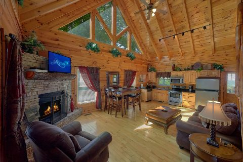 2 Bedroom 2 Bath Cabin Sleeps 8 - Bearfoot Haven