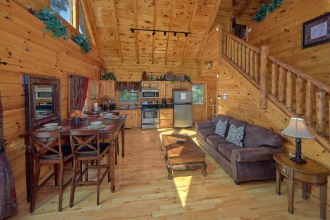 Sky Harbor 2 Bedroom 2 Bath Cabin Sleeps 8 - Bearfoot Haven