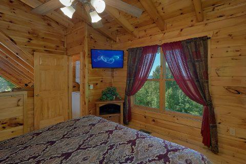 Main Floor Bedroom 2 Bedroom Cabin - Bearfoot Haven
