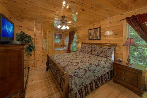 2 Bedroom Cabin Sleeps 8 - Bearfoot Haven