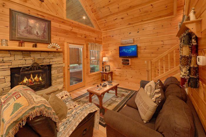 Luxurious 1 Bedroom Cabin 2 Bath Sleeps 6 - Bear'ly Makin' It
