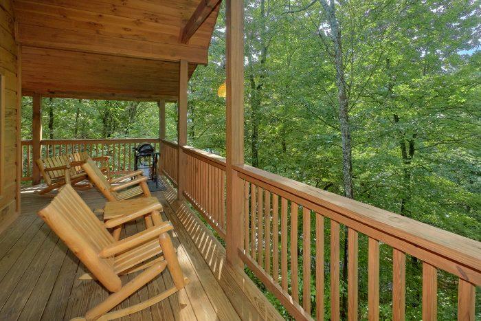 1 Bedroom 2 Story Cabin sleeps 6 - Bear'ly Makin' It