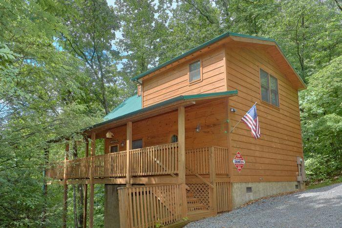 1 Bedroom 2 Story 2 Bath Cabin Sleeps 6 - Bear'ly Makin' It