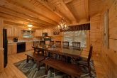 4 Bedroom Cabin with Large Dining Table Seats 10