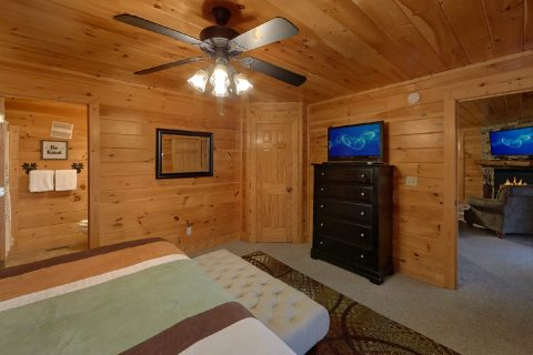 King Bedroom with Connecting Full Bathroom & TV - Bearly Rustic
