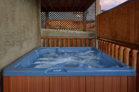 Pigeon Forge Cabin with Large Hot Tub Sleeps 12 - Bearly Rustic