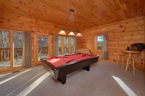 2 Bedroom Cabin with Pool Table - Bears and Beyond