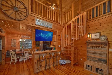 2 Bedroom 2 Bath Cabin Sleeps 9 - Bears Hideaway