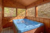 Private 2 Bedroom Cabin with Hot Tub