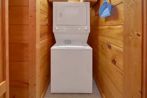 2 Bedroom Cabin with Washer and Dryer - Bear's Lair