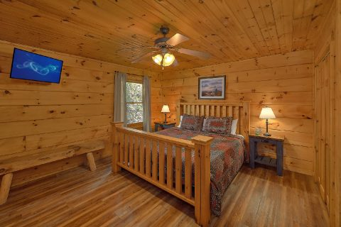 Private 2 Bedroom Cabin with King Bed - Bear's Lair