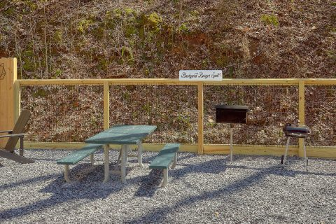 2 Bedroom Cabin with Picnic Table and Grill - Bear's Lair