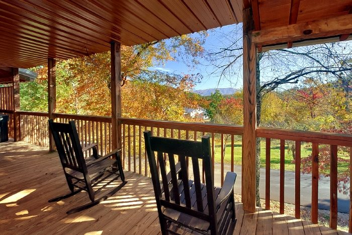 2 Bedroom Cabin in the Great Smokies with deck - Bearway To Heaven