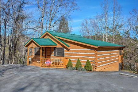 Gray Fox Den: 3 Bedroom Gatlinburg Cabin Rental