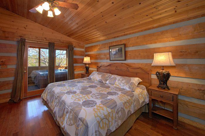 Main Floor Spacious 2 Bedroom Cabin - Bella Casa