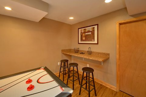 3 Bedroom Cabin Sleepps 8with Air Hockey - Bella Casa