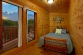 Spacious 3 Bedroom Cabin with Futon Sleeps 8
