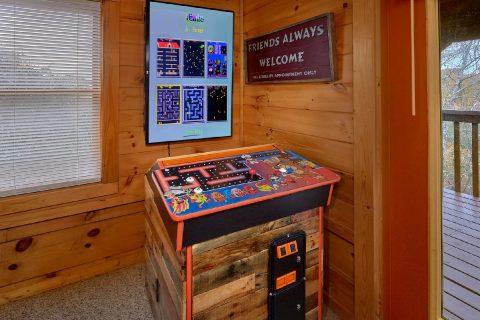 5 Bedroom Cabin with Arcade Sleeps 12 - Big Bear Lodge