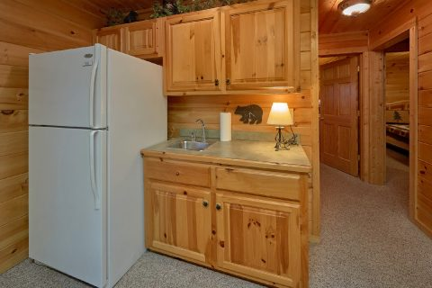 5 Bedroom Cabin with Wet Bar in Den - Big Bear Lodge