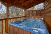 5 Bedroom Cabin with Hot Tub & Wireless Internet