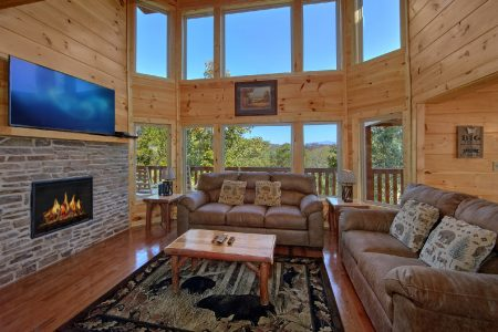Gatlinburg Movie Mansion: 5 Bedroom Gatlinburg Cabin Rental