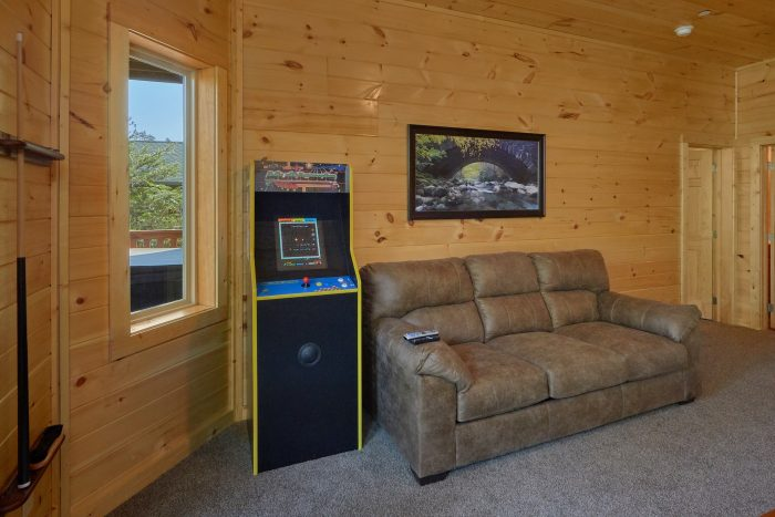 Game Room with Arcade Game for All Ages - Big Mack Lodge