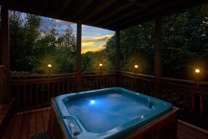 Gatlinburg Cabin with Private Hot Tub - Big Sky View