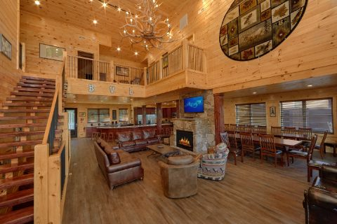 Luxurious 16 Bedroom Cabin Sleeps 66 - Big Vista Lodge
