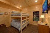 16 Bedroom Cabin with 2 Bedrooms with King Bunk
